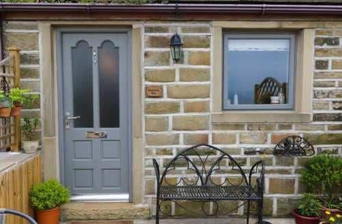 Last Minute Cottages - Lovely Luddenden Cottage S82884
