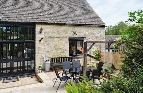 Big Cottages - Cosy Stroud Cottage S82917