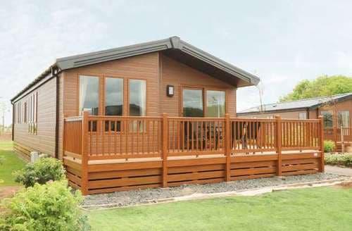 Last Minute Cottages - Luxury Northumberland Lodge S82928