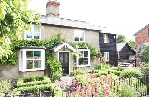 Last Minute Cottages - Cosy Framlingham Lodge S83147