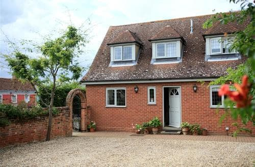 Last Minute Cottages - Stunning Kersey Lodge S83187