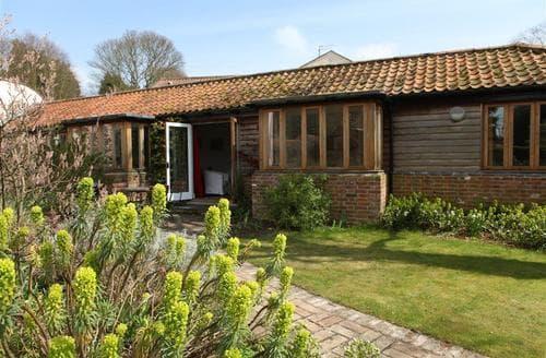 Last Minute Cottages - Superb Westleton Cottage S83233