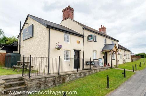 Last Minute Cottages - Captivating  Cottage S83314