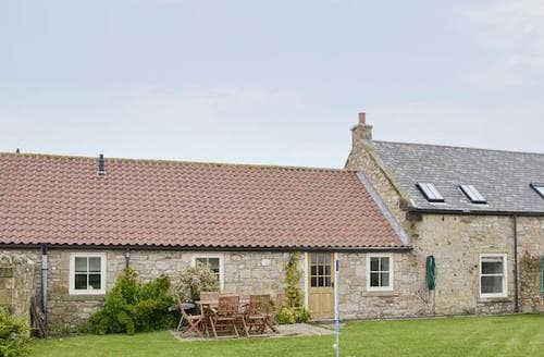 Last Minute Cottages - Wonderful Beadnell Cottage S83400