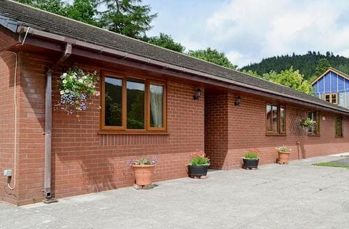 Last Minute Cottages - Quaint Rhayader And The Elan Valley Cottage S83461