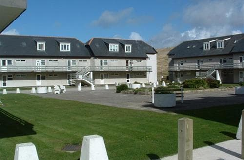 Last Minute Cottages - Charming Perranporth Central Apartment S83506