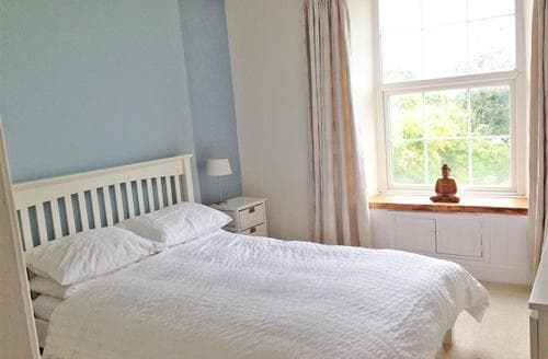 Last Minute Cottages - Luxury Perranporth Central Apartment S83551