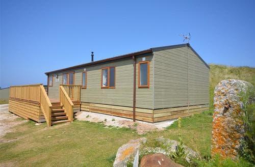 Last Minute Cottages - Fairways Lodge A