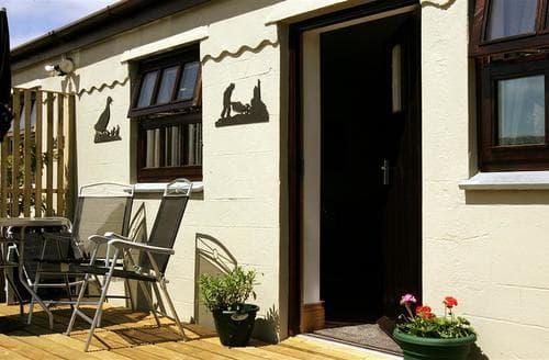 Last Minute Cottages - Adorable Mingoose Lodge S83613