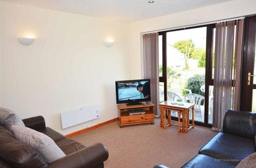Last Minute Cottages - Cosy Trevellas Cottage S83616