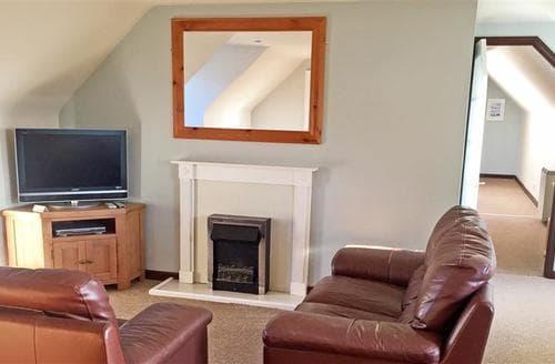 Last Minute Cottages - Exquisite Perranporth Central Apartment S83646