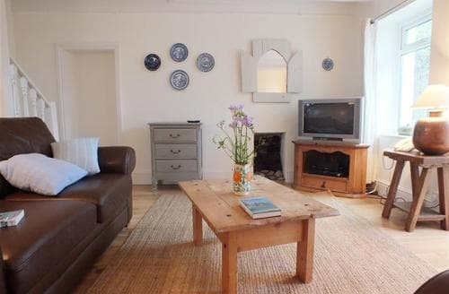 Last Minute Cottages - Adorable Manorbier Cottage S71801