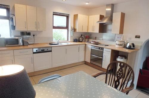 Last Minute Cottages - Superb Solva Cottage S71723