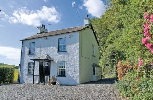Last Minute Cottages - Woodside House
