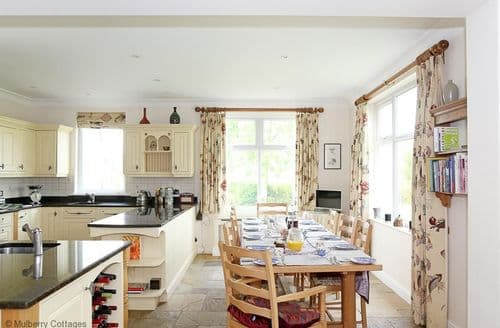 Last Minute Cottages - Arun Valley View, Pulborough