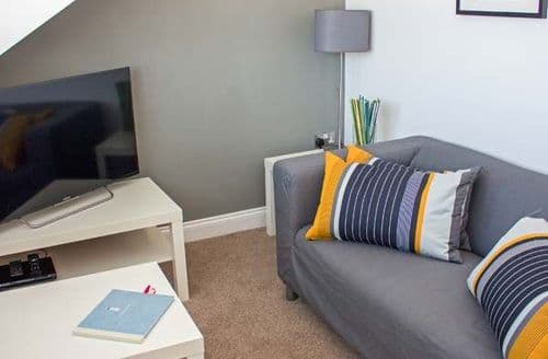 Last Minute Cottages - Gorgeous Llandudno Apartment S83762