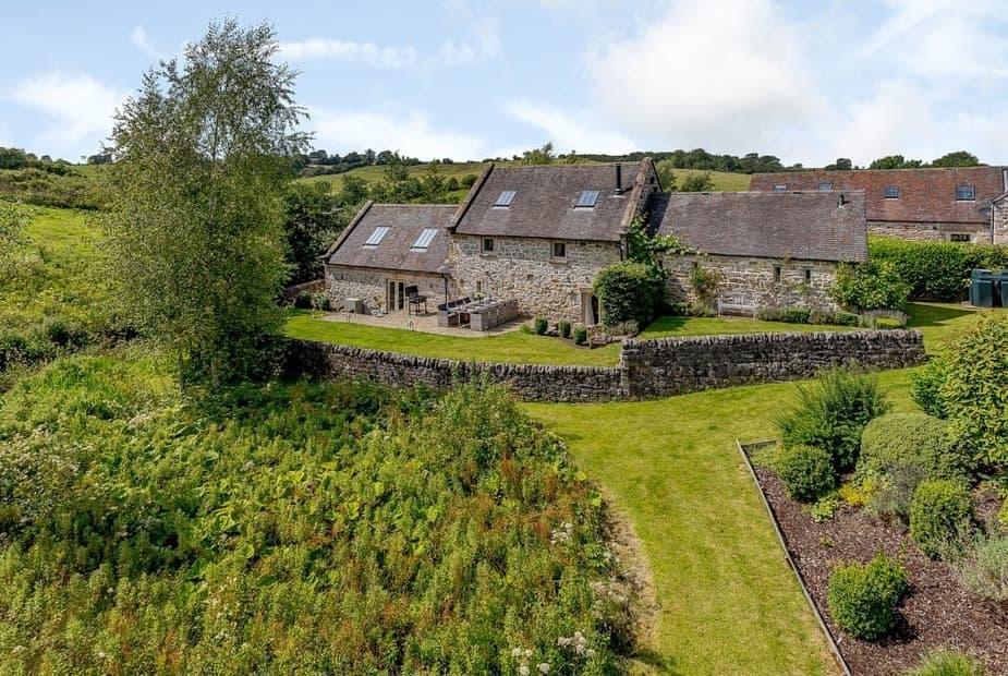 Stunning Grade II listed, detached stone barn conversion    Waterside Barn, Bradbourne, near Ashbourne - Waterside Barn
