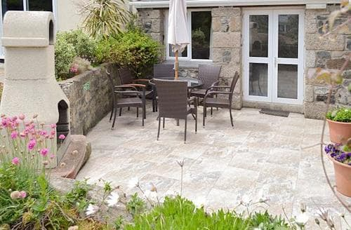 Big Cottages - Wonderful Helston And The Lizard Peninsula Cottage S84069