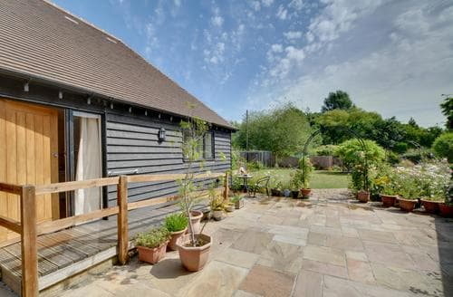 Last Minute Cottages - Garden View