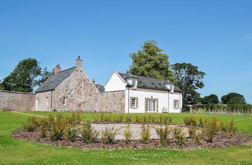 Big Cottages - Quaint Montrose Cottage S84595