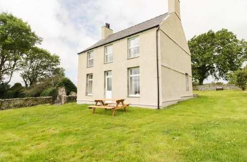 Big Cottages - Charming Pentre Berw Cottage S84923