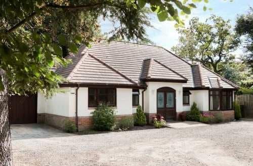 Big Cottages - Adorable Sheffield Cottage S84989