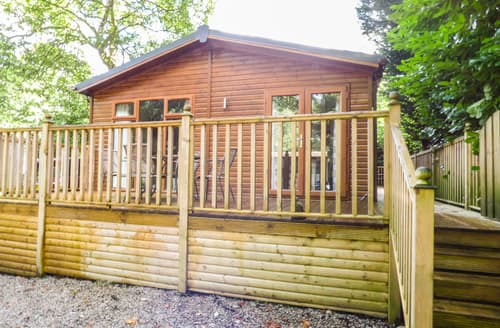 Last Minute Cottages - Lovely Bowness Lodge S85092