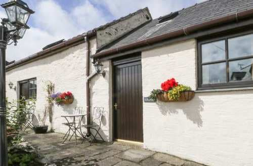 Last Minute Cottages - Lovely  Apartment S85108
