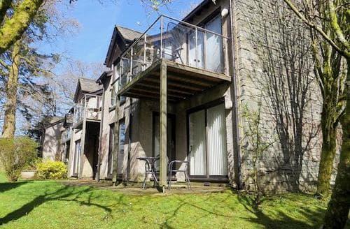 Last Minute Cottages - Superb Ambleside Apartment S85166