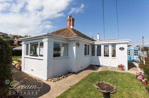 Last Minute Cottages - Tasteful West Bay Cottage S85300