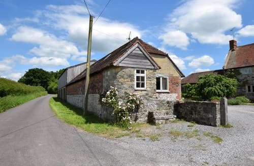 Last Minute Cottages - Attractive Warminster Barn S85340