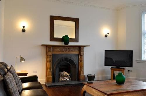 Last Minute Cottages - The Harling