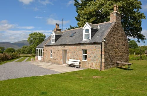 Last Minute Cottages - Cosy Aboyne Cottage S85424