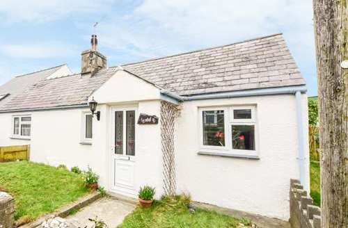 Last Minute Cottages - Cosy  Cottage S85568