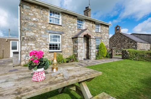 Last Minute Cottages - Stunning Rural Llyn Peninsula Cottage S85575