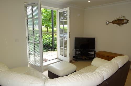 Last Minute Cottages - Splendid Devonport Apartment S85662