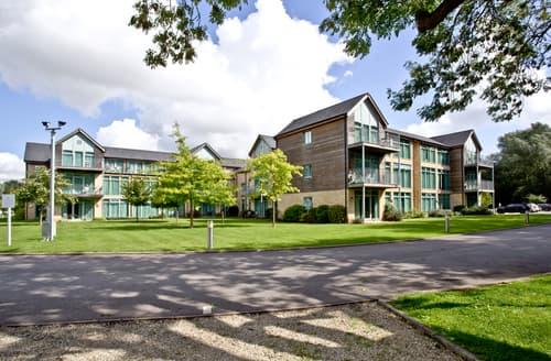 Last Minute Cottages - Stunning Swindon Apartment S85720