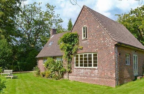 Big Cottages - Excellent Burley Cottage S85796