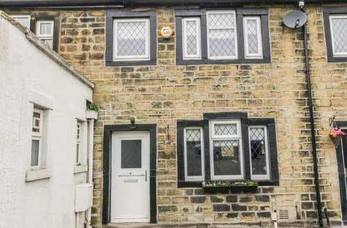 Last Minute Cottages - Superb Hainworth Cottage S85989