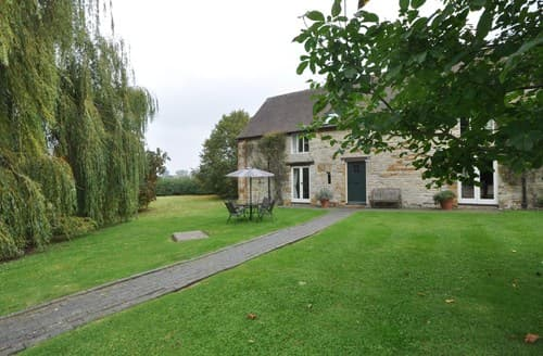 Last Minute Cottages - Cosy Stratford Upon Avon Barn S86008