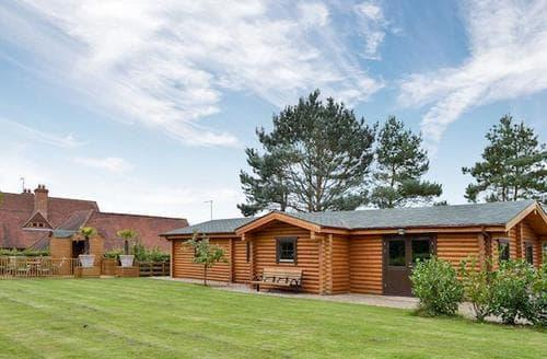 Last Minute Cottages - Exquisite All Hertfordshire Lodge S86044