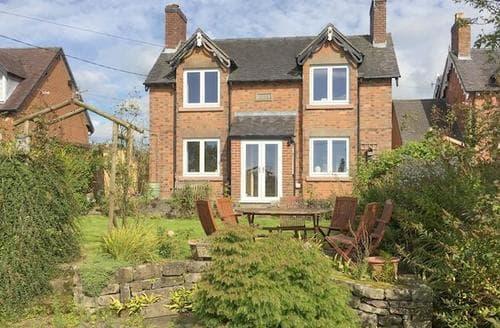 Last Minute Cottages - Luxury Leek Cottage S86104