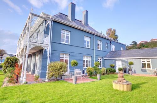 Last Minute Cottages - Superb Aberystwyth Apartment S86124