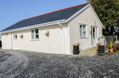 Last Minute Cottages - Rhosydd Cottage