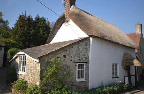 Last Minute Cottages - Superb Lulworth Cove Cottage S86466