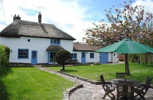 Last Minute Cottages - Rose Lawn