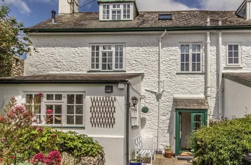 Last Minute Cottages - Beautiful Charmouth Cottage S86546