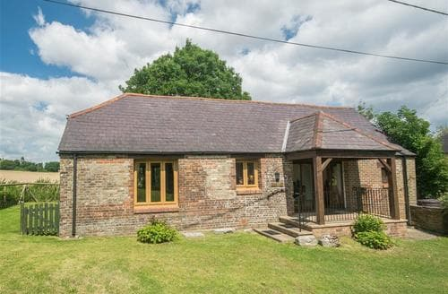 Last Minute Cottages - Higher Burton Barn