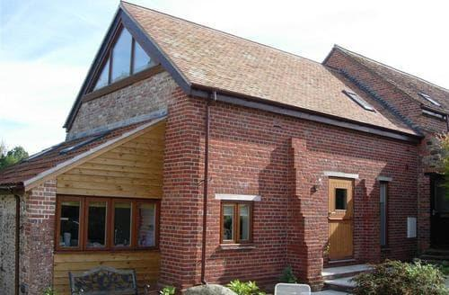 Last Minute Cottages - The Stable Barn