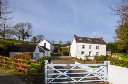 Big Cottages - Inviting Crosswell Cottage S86885